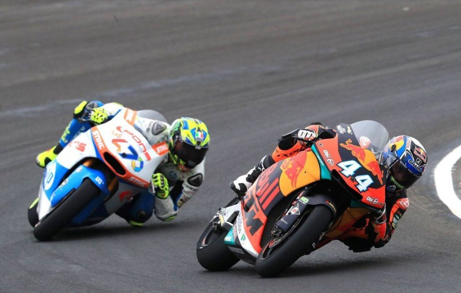 Moto2: FP1: Oliveira di misura su Marquez, 5° Bagnaia