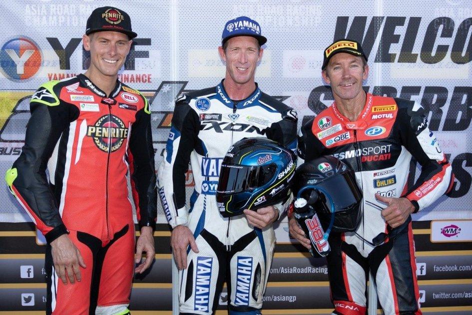 SBK: Bayliss on the Australian podium at 49