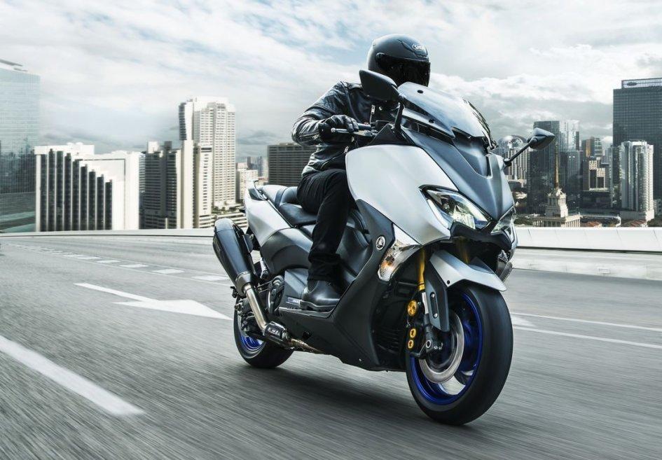 Scooter: Yamaha svela il prezzo del TMax Sport Edition