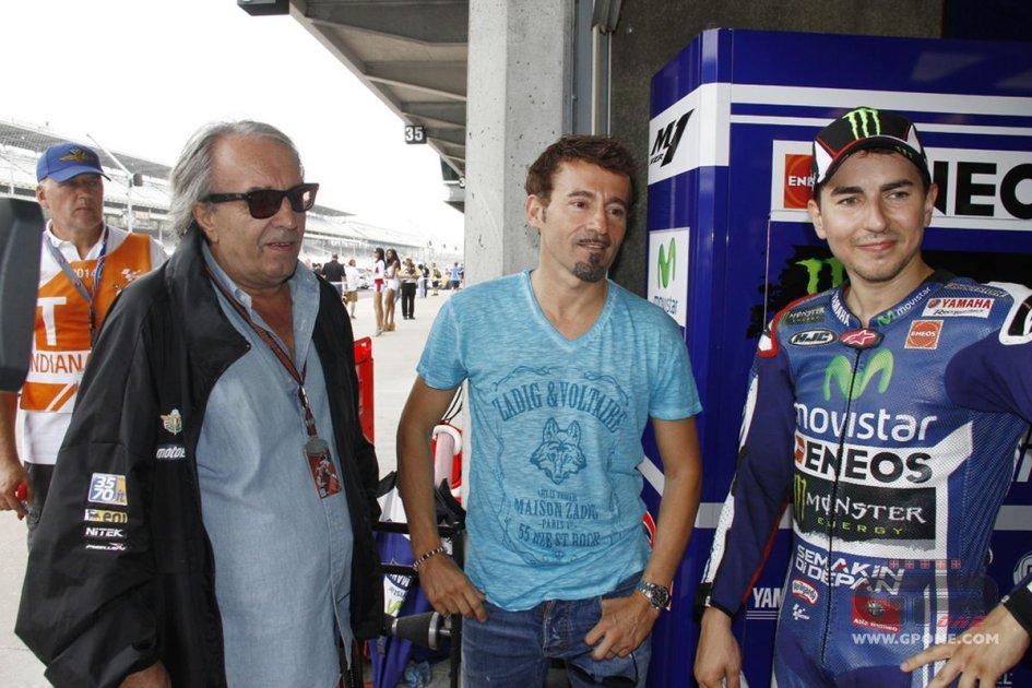 MotoGP: Pernat ribatte a Lorenzo: i buffoni sono un'altra cosa