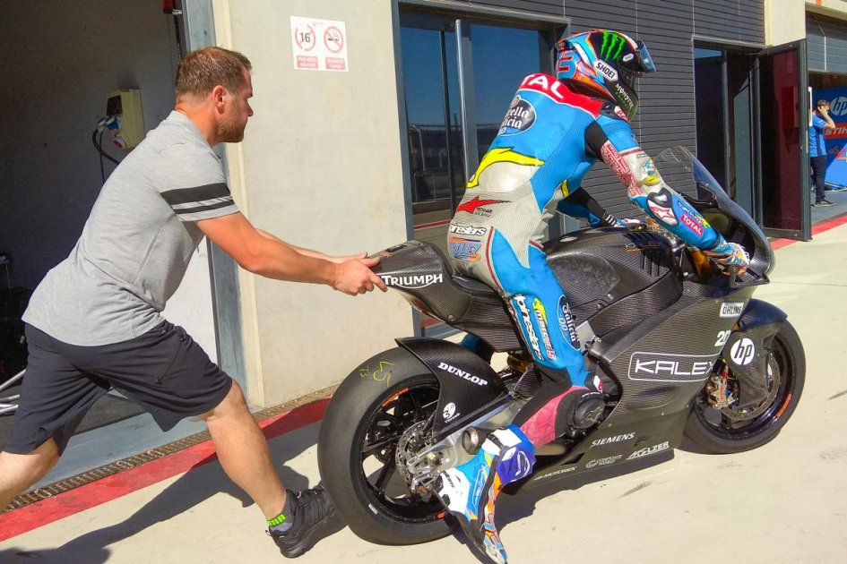Moto2: Moto2 of tomorrow: the Triumph prototypes take to Aragon
