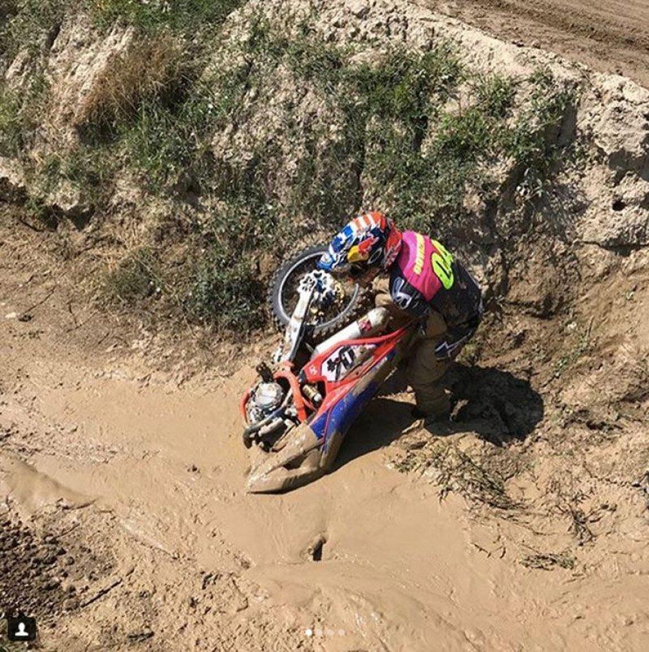 "MotoGP: Dovizioso in the ""quicksand"" with his MX bike"