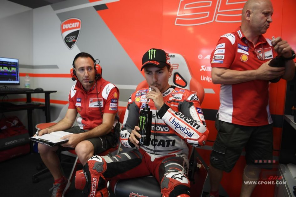 MotoGP: Lorenzo: sono 10°? colpa di una gomma difettosa