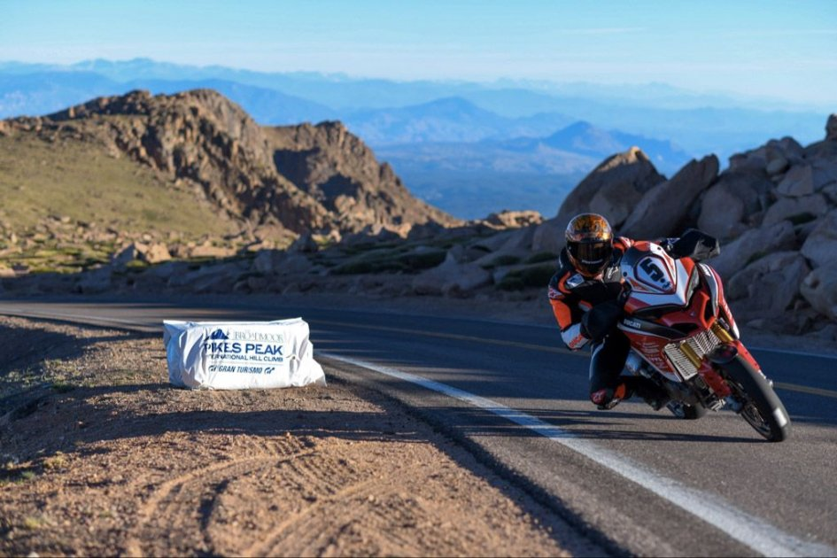 News Dunne Wins At Pikes Peak On The Ducati Multistrada