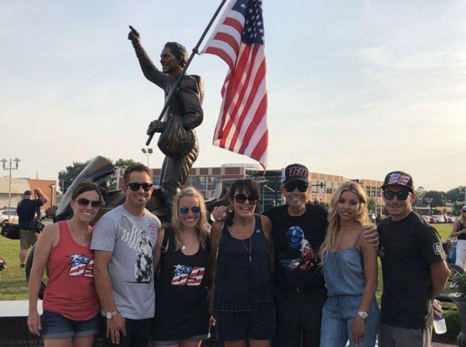 News: Nicky Hayden statue inaugurated in Owensboro