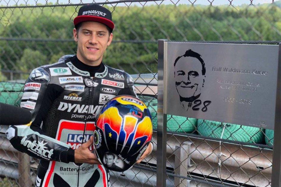 News: Schrotter rende omaggio a Waldmann al Sachsenring