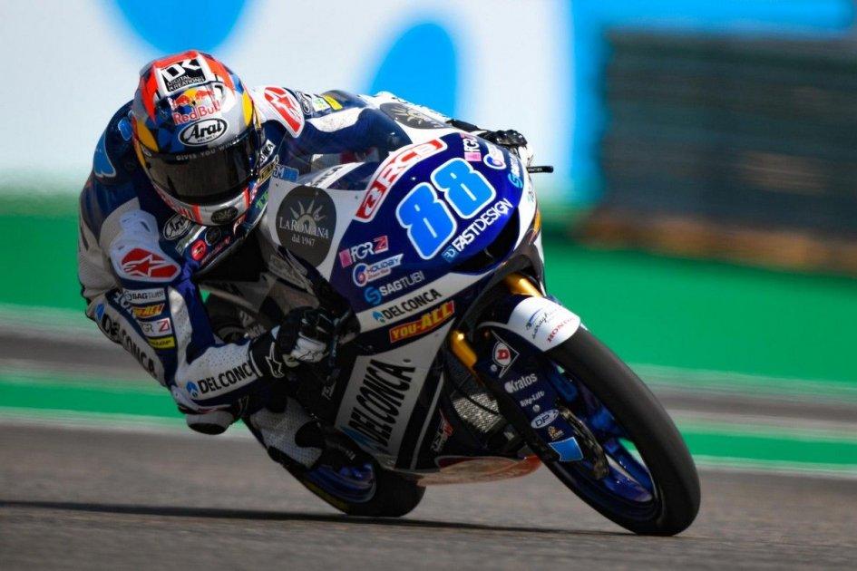Moto3: Fuga per la vittoria di Martin ad Aragon