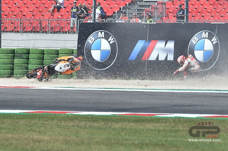 MotoGP: Fotosequence: the crash of Marc Marquez in Misano