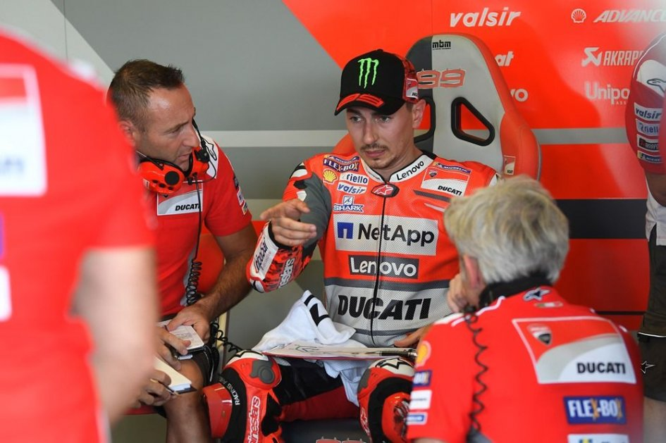 MotoGP: Lorenzo: I'm fast, but I still haven't played all my cards