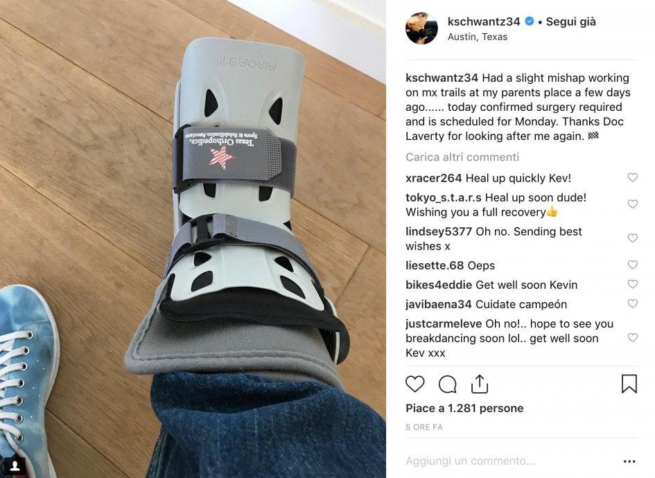 MotoGP: Kevin Schwantz under the knife: broken foot