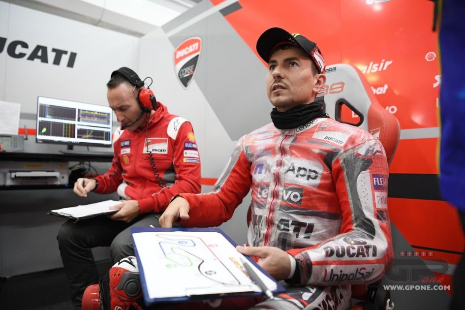 "MotoGP: Lorenzo: ""My hand is worse than I thought"""