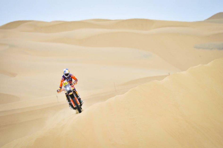 Dakar: Sunderland fa volare la KTM e accorcia in vetta