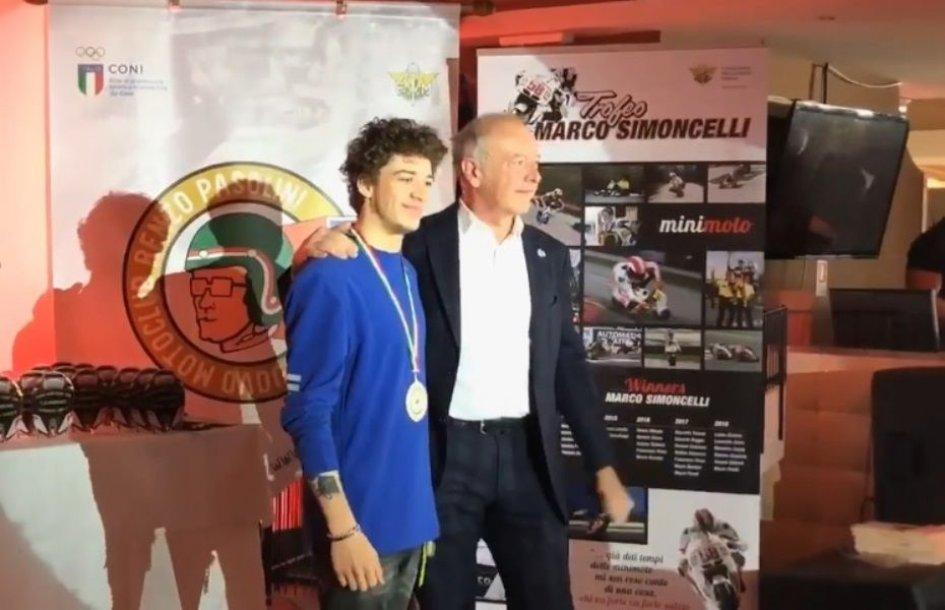 Moto2: Trofeo Simoncelli: medaglia ad honorem per Marco Bezzecchi