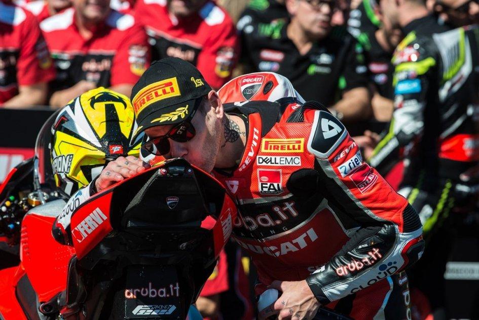 "SBK: Bautista: ""La Panigale V4 è una MotoGP stradale"""