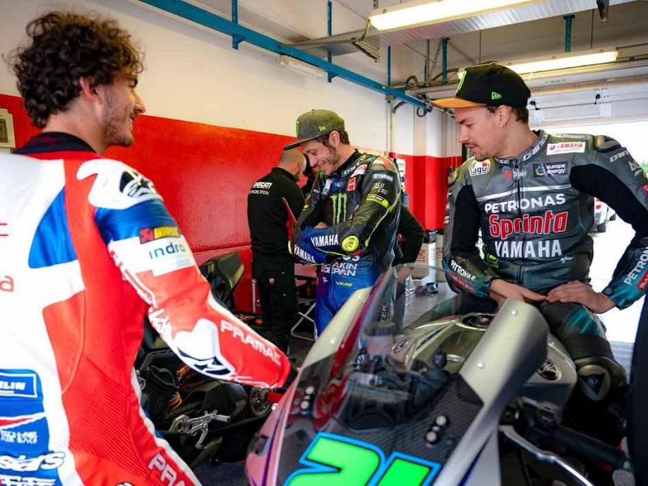 MotoGP: Bagnaia si allena sulla Panigale V4R, la SBK più vicina alla MotoGP
