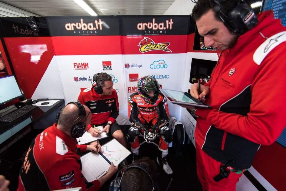 """SBK: Davies: """"I've turned the bike upside down to find the way"""""""