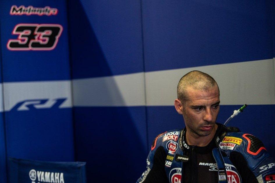 "SBK: Melandri deluso: ""La Yamaha non va dritta in rettilineo"""