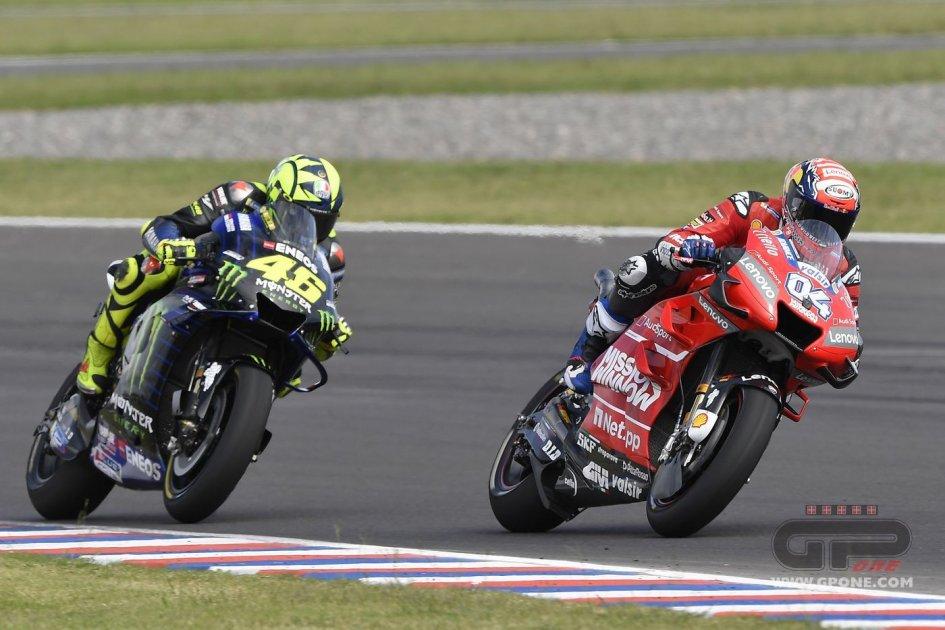MotoGP: Dovizioso: Se Rossi oggi soffrisse le sconfitte si autodistruggerebbe