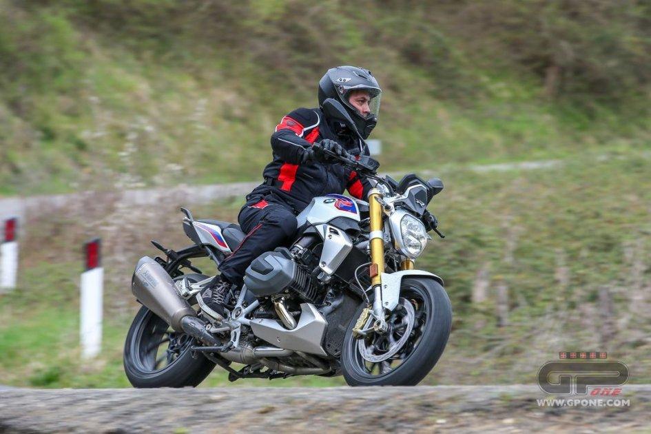Test: BMW R 1250 R: Il lusso di essere nuda