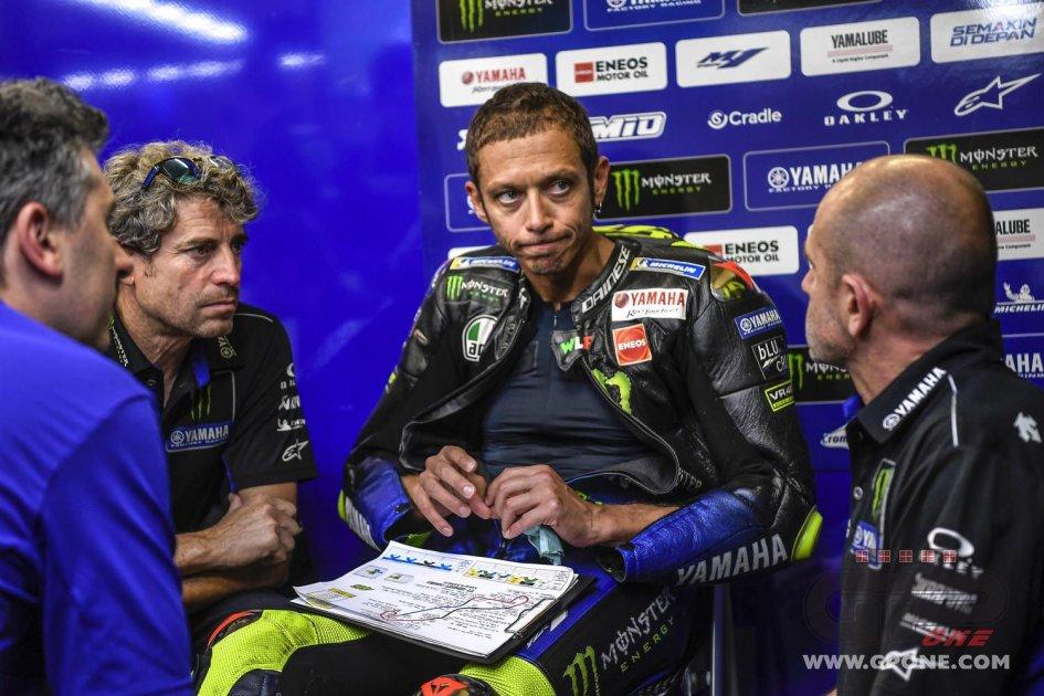 """MotoGP: Rossi: """"Prima della caduta ho visto un po' di luce"""""""