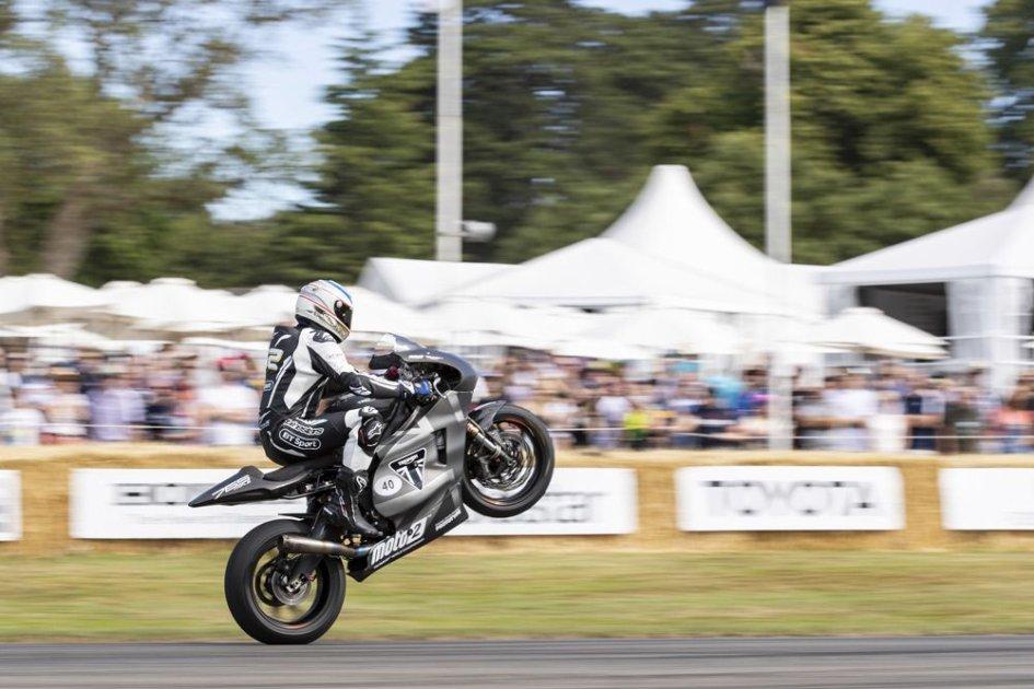 Moto2: James Toseland flashes Goodwood on Triumph Moto2