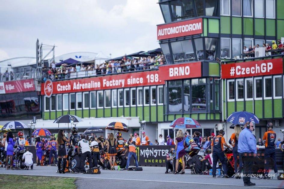 Moto2: Dorna dice stop ai team 'solitari' nel 2020