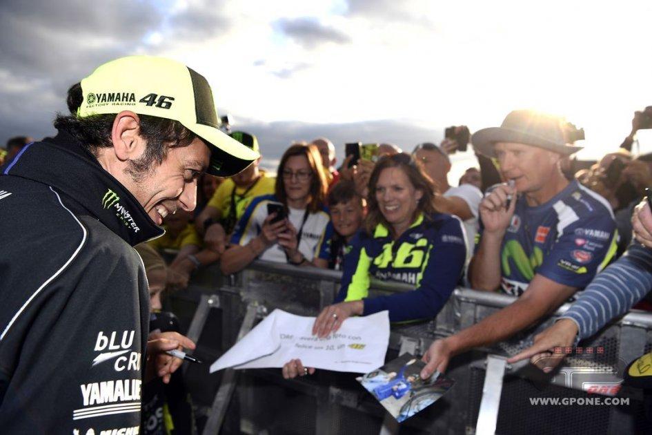 MotoGP: Devo correre a sposare Rossi: donna 27enne arrestata dopo un incidente