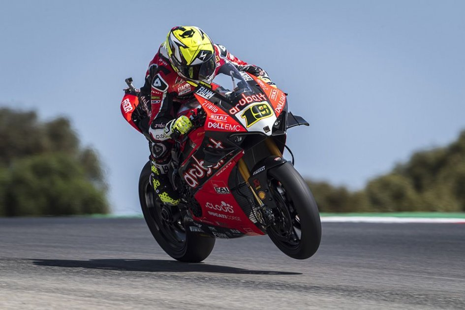 SBK: Bautista a missile in Portimao: thanks to him or the Panigale?