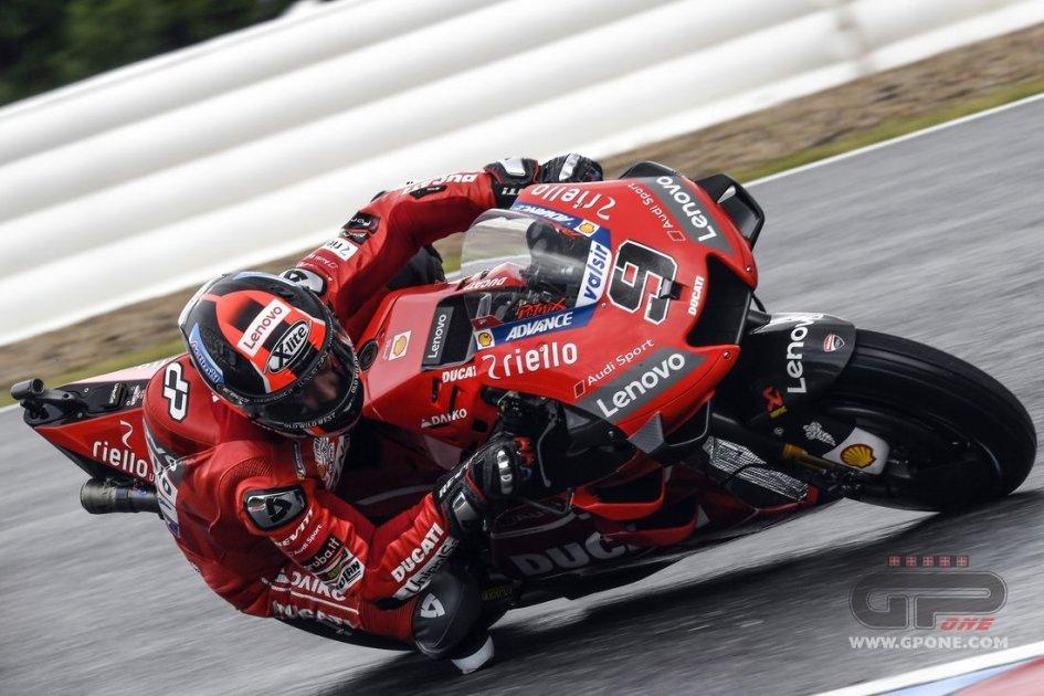 MotoGP: FP3: Petrucci risorge sotto l'acqua di Motegi e batte Marquez