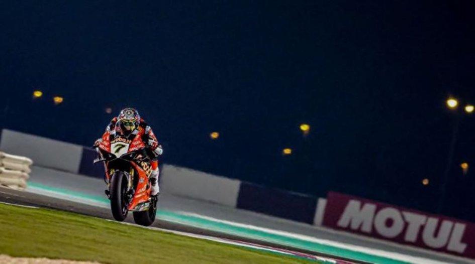 SBK: FP2: Davies davanti a tutti nella notte del Qatar, 2° Rea