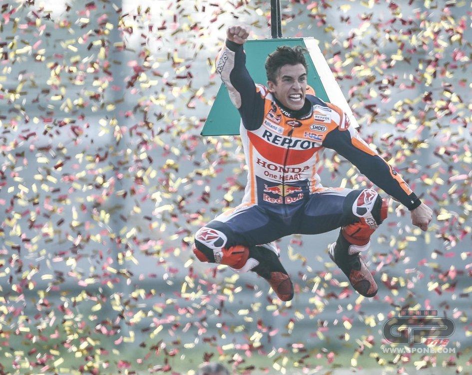 MotoGP: Marquez sfida Albert Einstein: oltre la fisica tra cadute e salvataggi