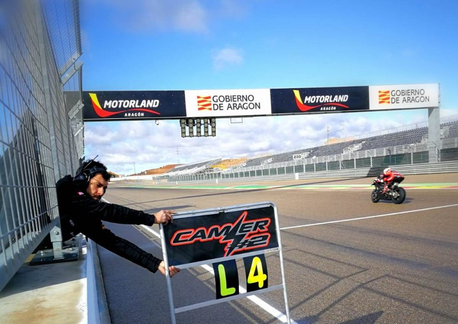 SBK: Test Aragon: Camier e la Panigale V4 davanti alla Ducati di Redding