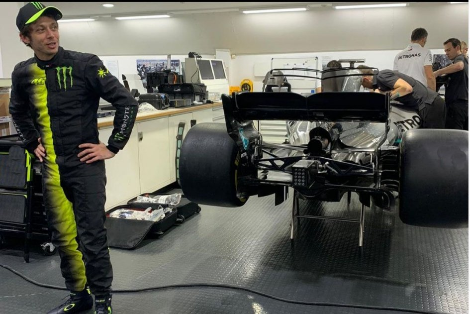 MotoGP: Rossi e Hamilton a Valencia: lo scambio diventa 'fantasma'
