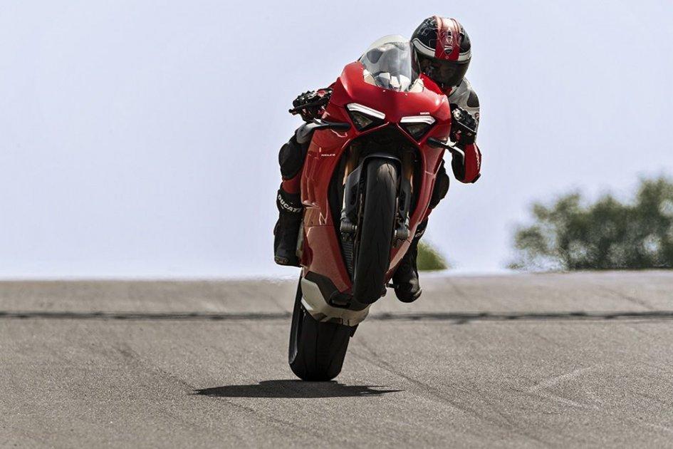 Prodotto - News: Ducati Panigale V4 2020: più potente, più facile e più veloce