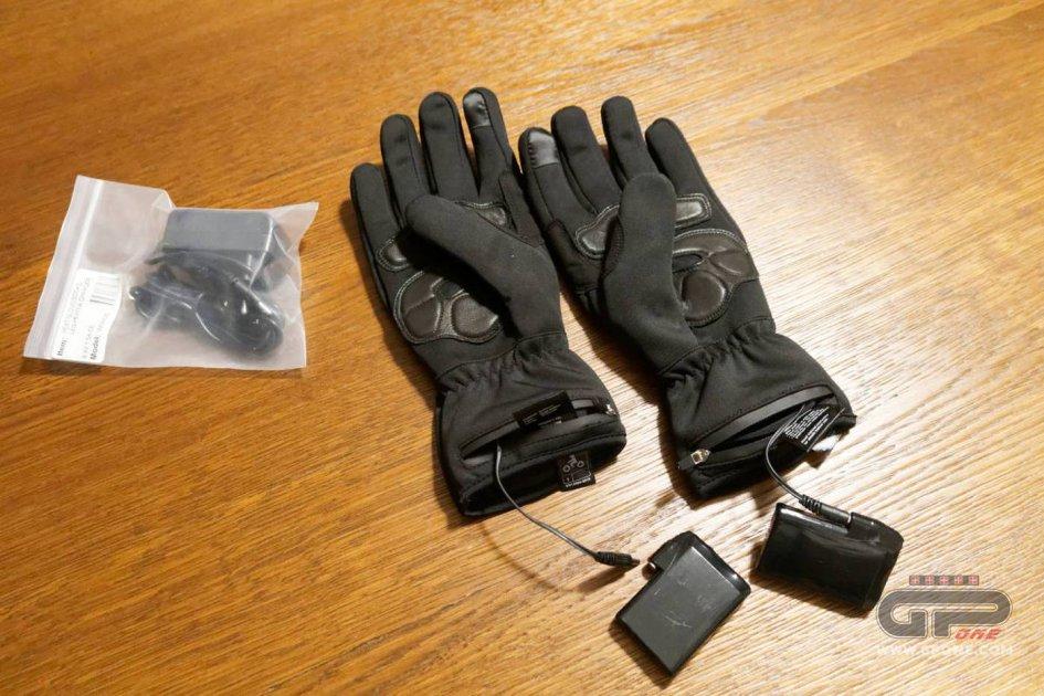 Prodotto - Test: Capit WarmMe guanti riscaldati Urban, approvati da Valentino Rossi