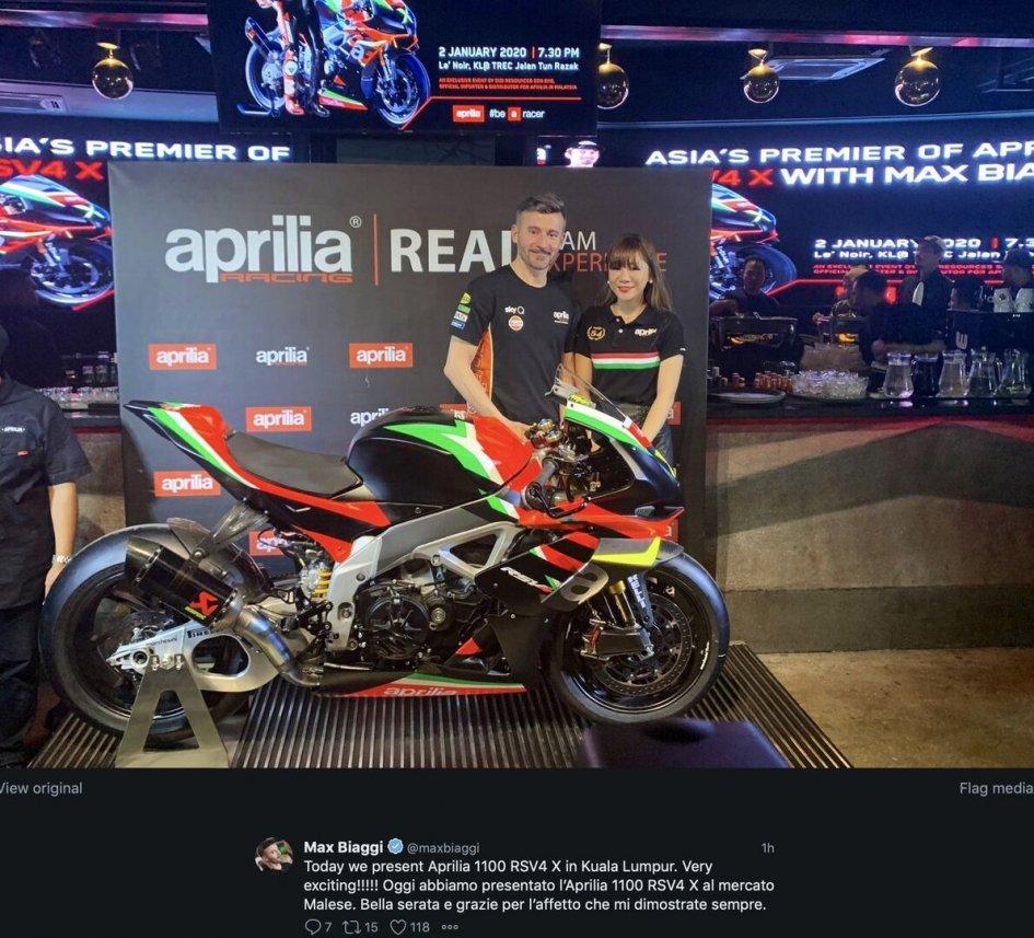 SBK: Presentata in Malesia da Max Biaggi l'Aprilia RSV-4 X