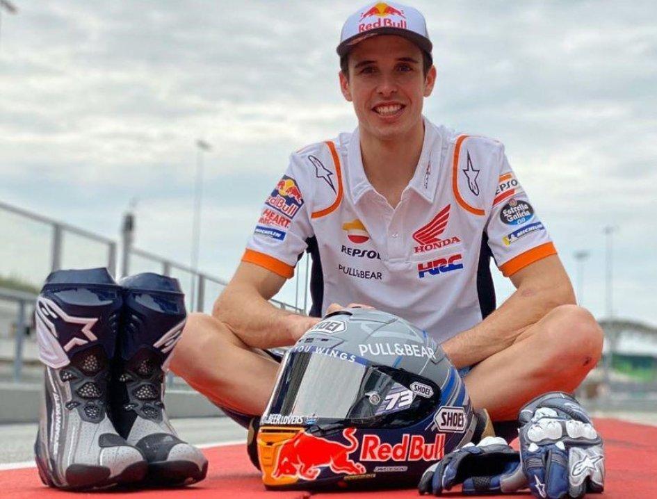 MotoGP: Alex Marquez presents his new helmet waiting for... Lorenzo