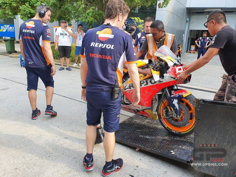 MotoGP: Marc Marquez, first crash during day 2 Sepang test