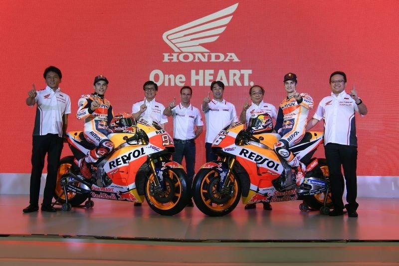 Motogp Honda Marquez And Pedrosa Unveil The New Livery Gponecom