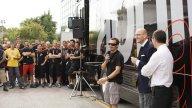 Moto - News: Aprilia festeggia la prima vittoria di Max Biaggi