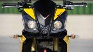 Moto - Test: Aprilia Tuono V4R - Test: La tempesta perfetta