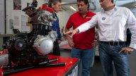 Moto - News: Husqvarna 900 cc: il primo teaser