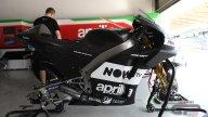 MotoGP: L'Aprilia a Sepang fa saltare il...tappo