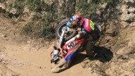 """MotoGP: Dovizioso nelle """"sabbie mobili"""" con il cross"""