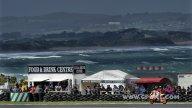 SBK: Phillip Island, dopo la gara, birra per tutti