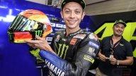 MotoGP: Rossi trasforma il suo casco in un quadro tricolore per il Mugello
