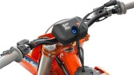 Moto - News: KTM 250 SX-F Troy Lee Designs 2021, in pista con stile