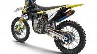 Moto - News: Husqvarna FC450 Rockstar Edition 2021: foto e caratteristiche della cross replica
