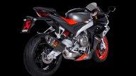 Moto - News: Aprilia RS 660, ancora più sportiva con lo scarico Akrapovič