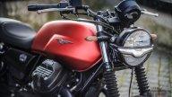 Moto - Test: Prova Moto Guzzi V7 my 2021, foto, caratteristiche, pregi e difetti